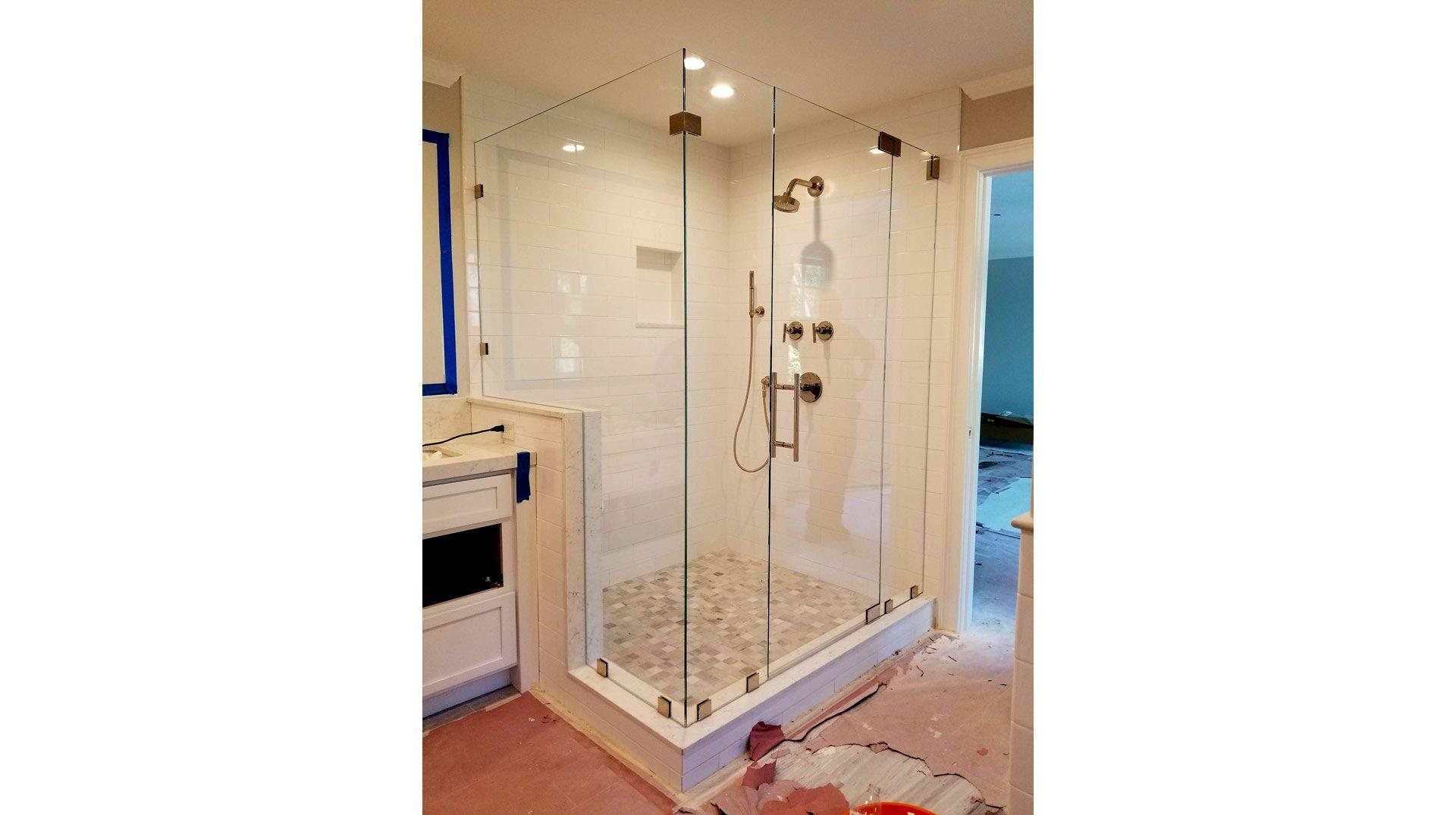 Frameless Walk-in Shower Enclosure | Milton | Signature Glass Inc.